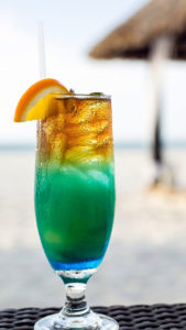 Coctel en la playa (Foto: Bucuti & Tara Beach Resort)