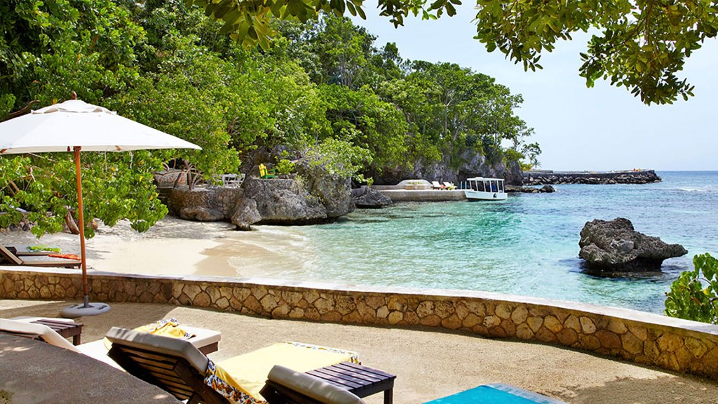 Playa privada de Fleming Villa, Goldeneye (Foto: Island Outpost)