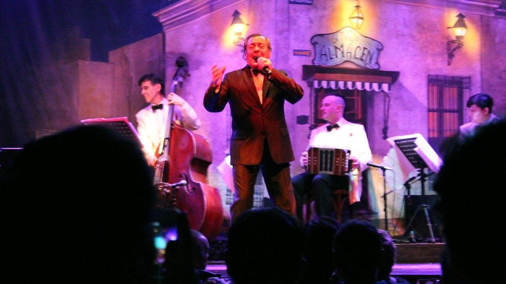 El cantante de tango Hugo Marcel