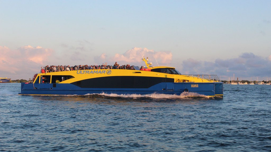 Ferry Ultramar a Isla Mujeres