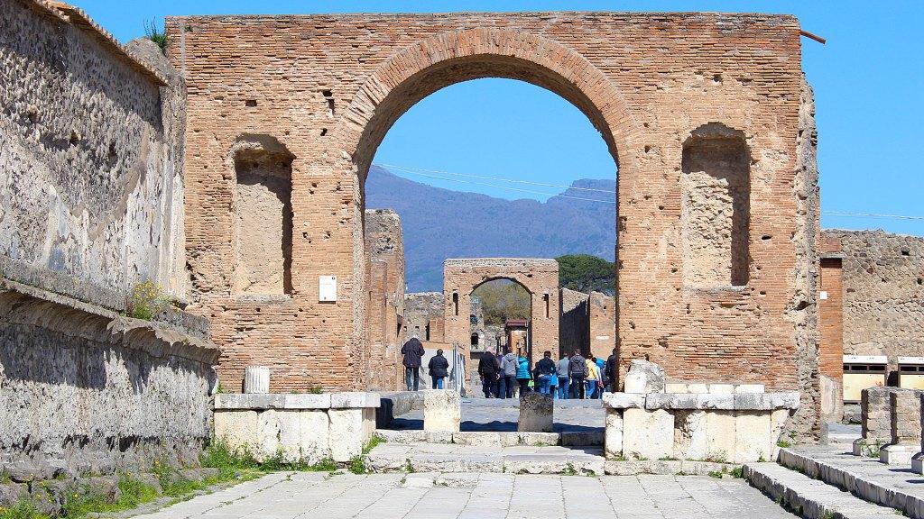 Arco en Pompeya | Pompeii arch