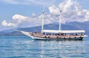 3 Ilhas Tops Para Conhecer nos Passeios de Barco em Angra dos Reis