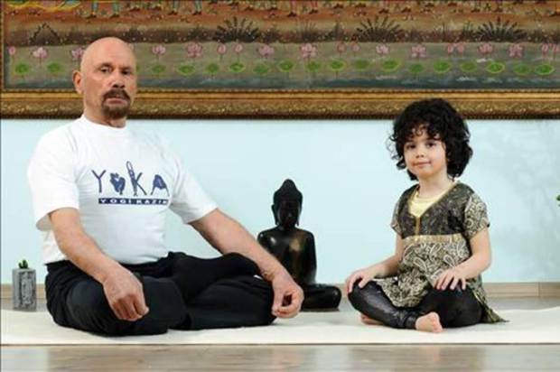 95 year old Yogi Kazim believes he can live to 130 Credit: www.yogikazim.com