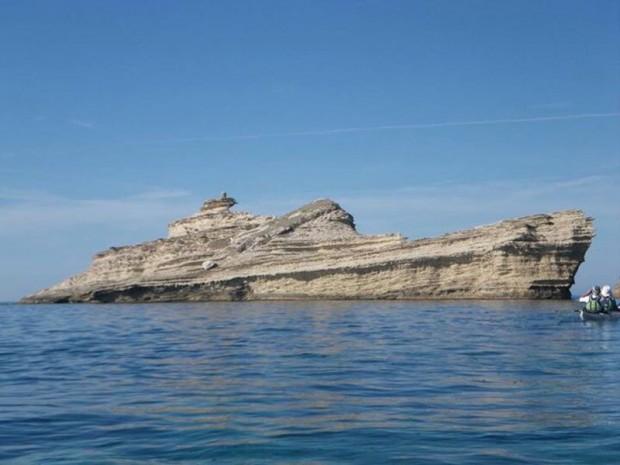 rock-that-looks-like-a-ship-boat