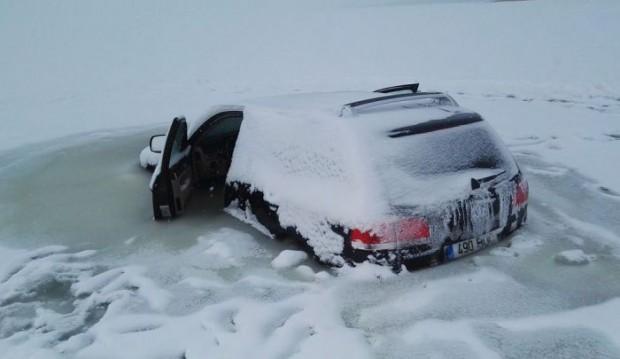 frozen_car_02