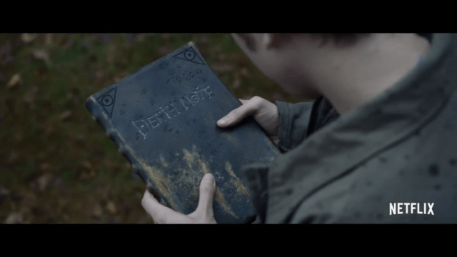 light looks at the death note