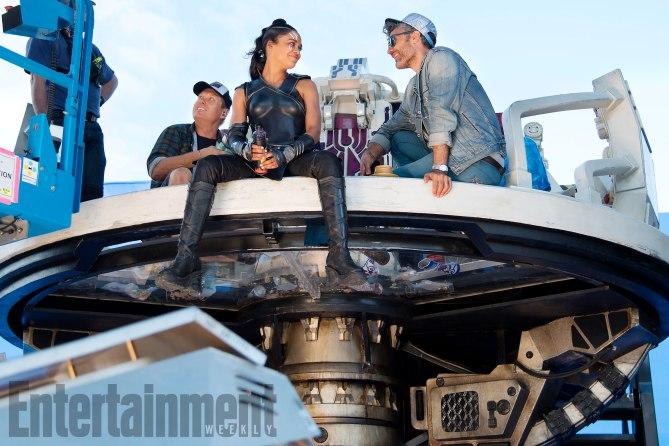 Thor: Ragnarok (2017) L to R: On set with Tessa Thompson (Valkyrie) and Director Taika Waititi.
