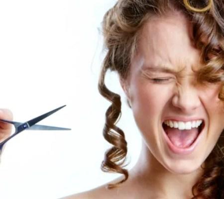 Corte de cabelo cacheado curto em casa