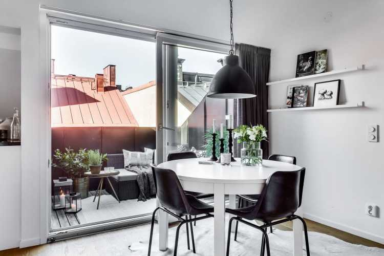 attic-room-with-a-fireplace-in-stockholm-11