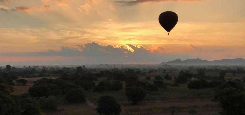Bagan au lever du soleil, juste incroyable !
