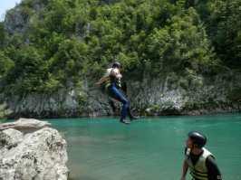 Photo de la rivière Tara au Montenegro - let's jump