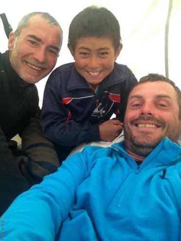 Villages et population Zanskari en Himalaya - rencontre d'un garçon à pishu