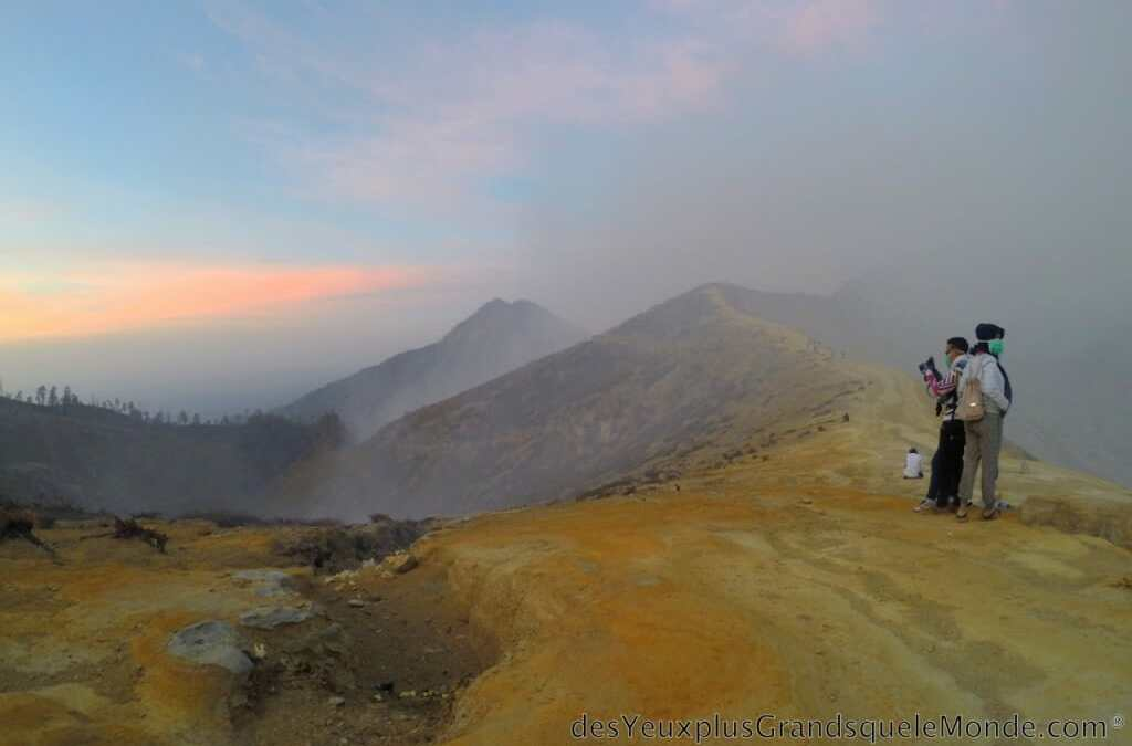 Trekking : ascension du volcan Ijen à Java en Indonésie