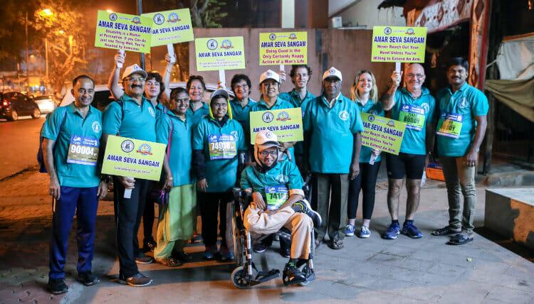 Volontariat avec l'Association les Enfants Papillons - Résidents et employés du centre participants au marathon de Bombay