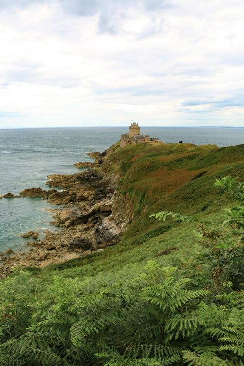 incontournables à visiter dans les Côtes d'Armor - Fort Lalatte