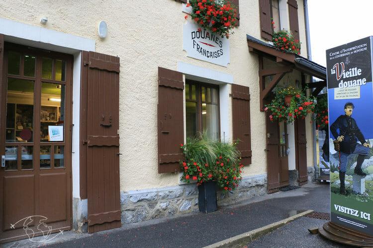 Les Contrebandiers - La Vieille Douane - Châtel