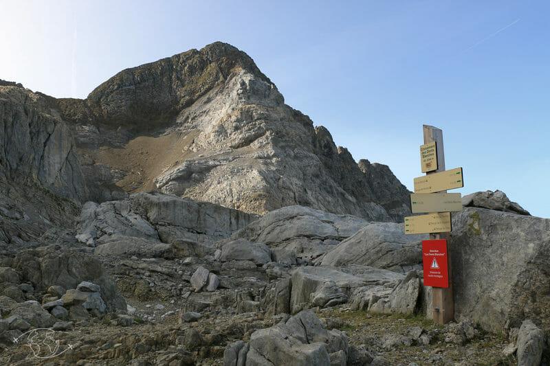 Tour des Dents Blanches - En bas du Pas au Taureau