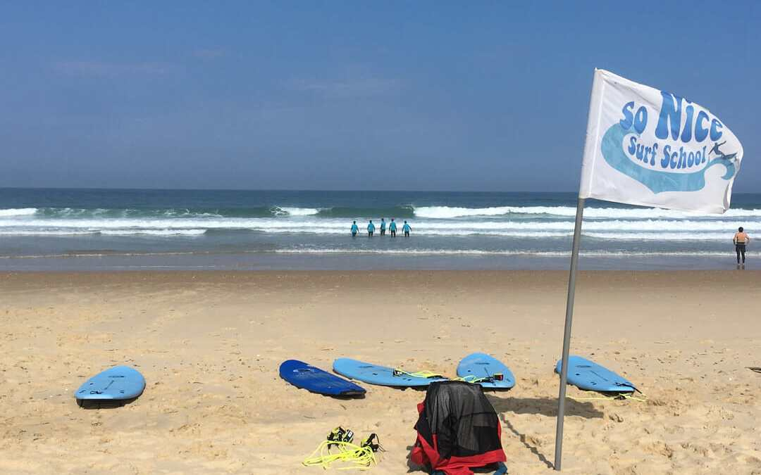Ecole de surf en Aquitaine : Initiation avec So Nice Surf School au Porge