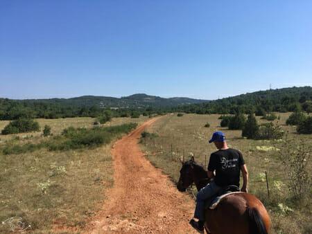 Randonnée Larzac - Cheval vers le Domaine de Gaillac