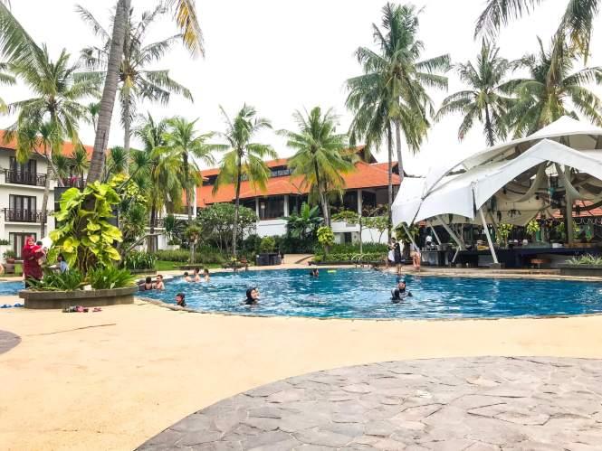 Kolam Renang di Sheraton Hotel Bandar Lampung