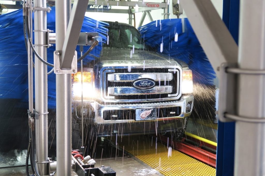 Tunnel car wash mishaps detail green usa san diego mobile car san diego car wash tunnel car washes are easy fast and cheap solutioingenieria Image collections