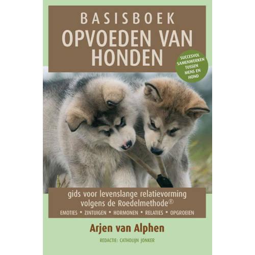 """Recensie """"Basisboek opvoeden van honden""""- Arjen van Alphen"""