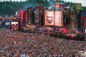 TomorrowWorld-crowd