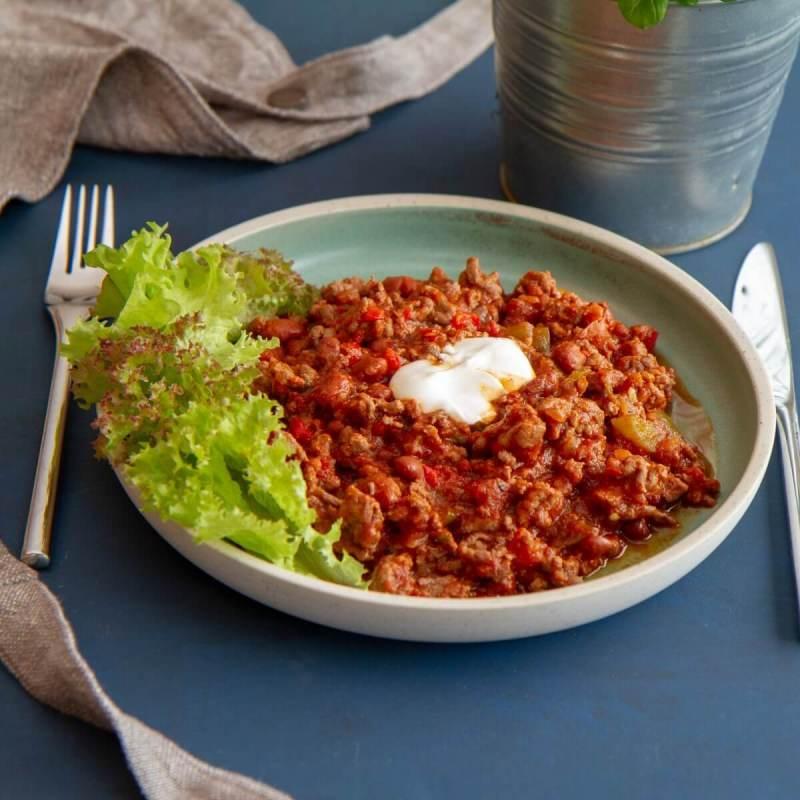 Chili con carne med salat