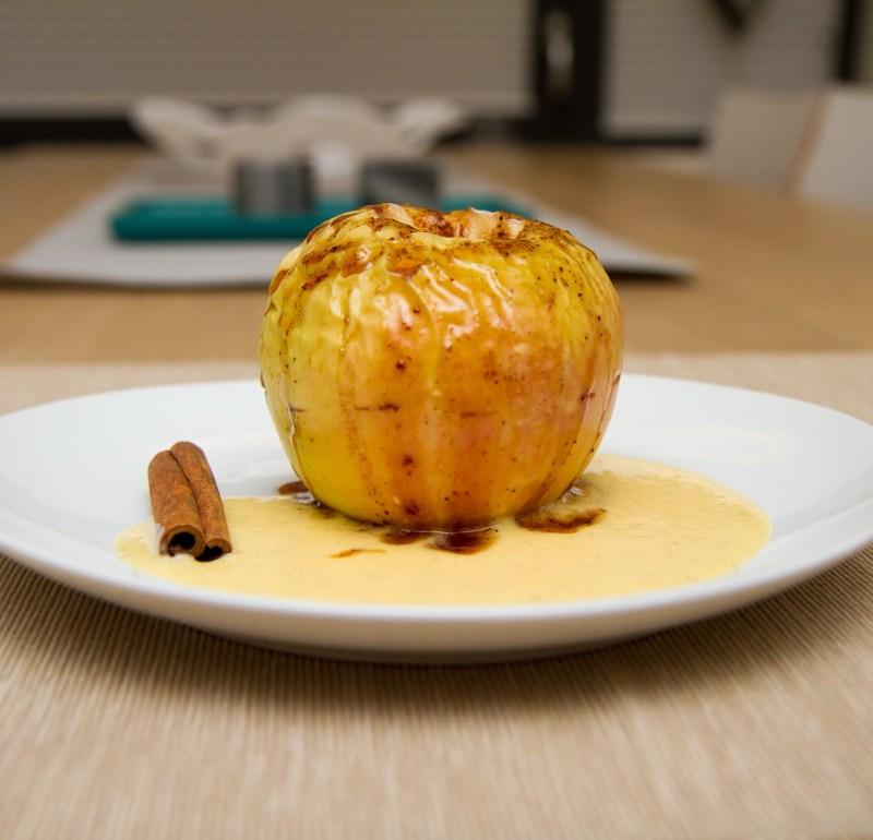 Ovnsbakte epler med kanel og honning