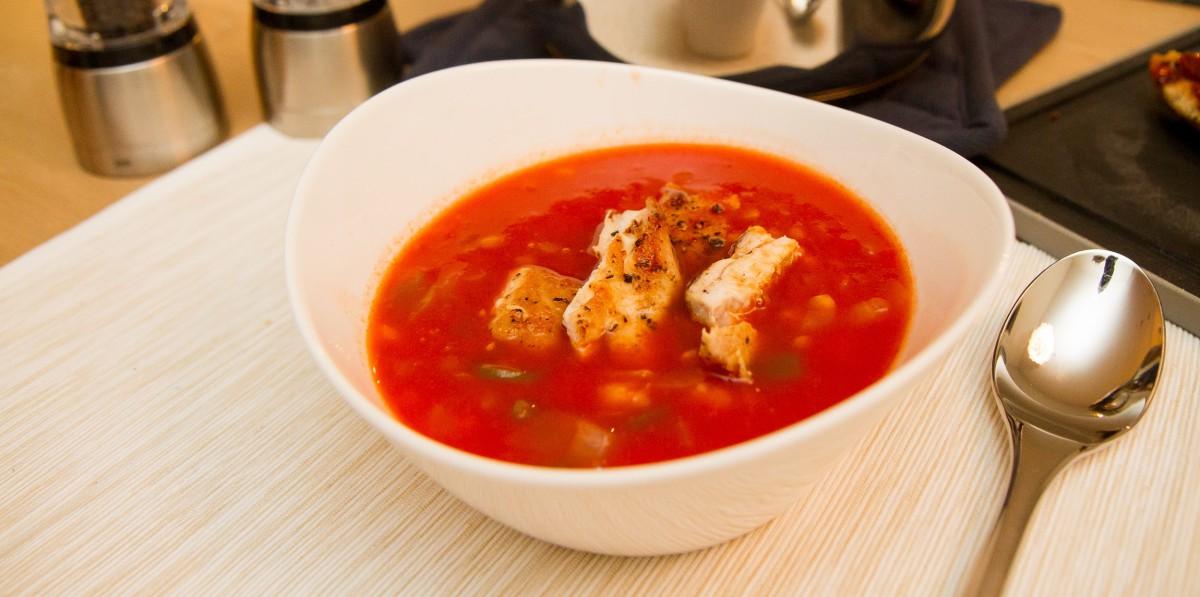 Kyllingsuppe med linser og kikerter