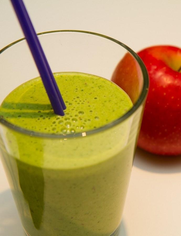 Frisk eplesmoothie med spinat og lime