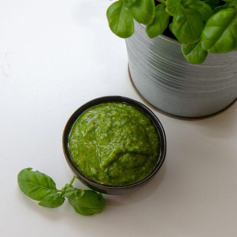 Pesto av basilikum