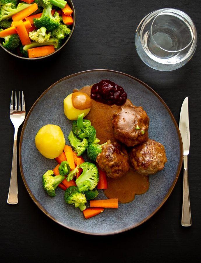 Kjøttkaker av karbonadedeig