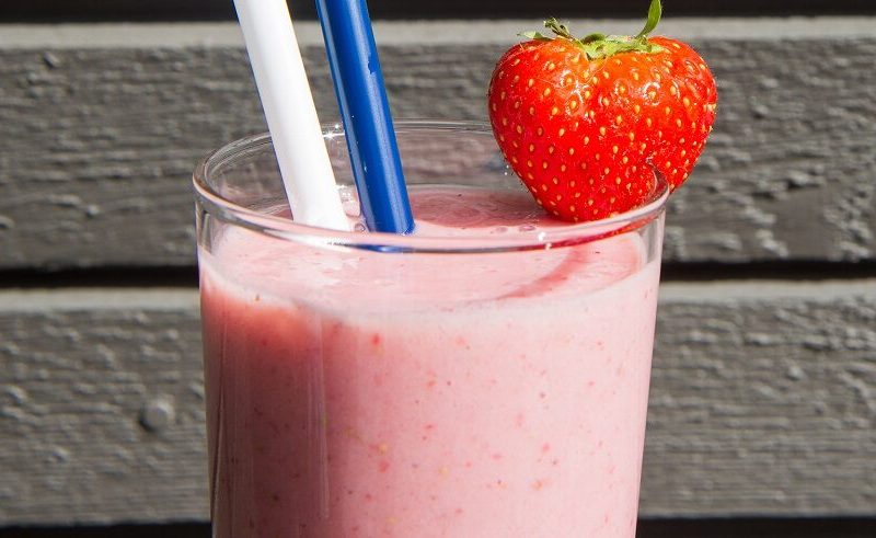 Jordbærmilkshake med banan