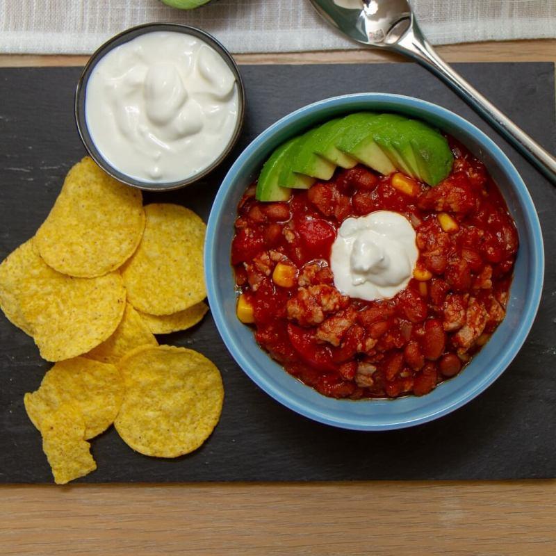Tacogryte med nachos, avokado og rømme