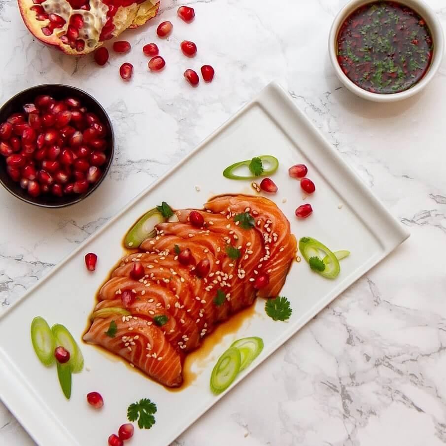 Sashimi med granateple og soyasaus