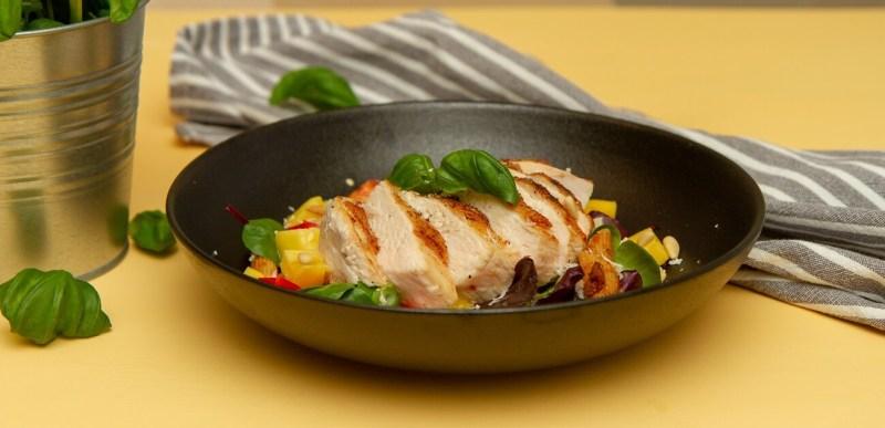 kyllingsalat med rød pesto - FB