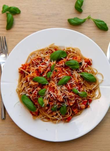 Spagetti i kjøttsaus (kyllingkjøttdeig)