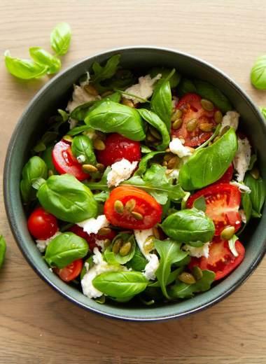 Tomat og mozzarellasalat