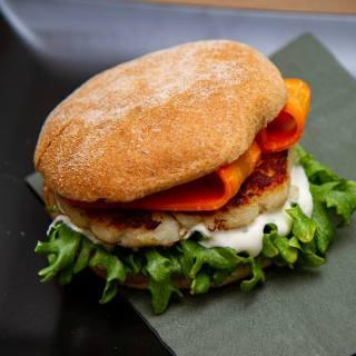 Fiskeburger med syltet gulrot