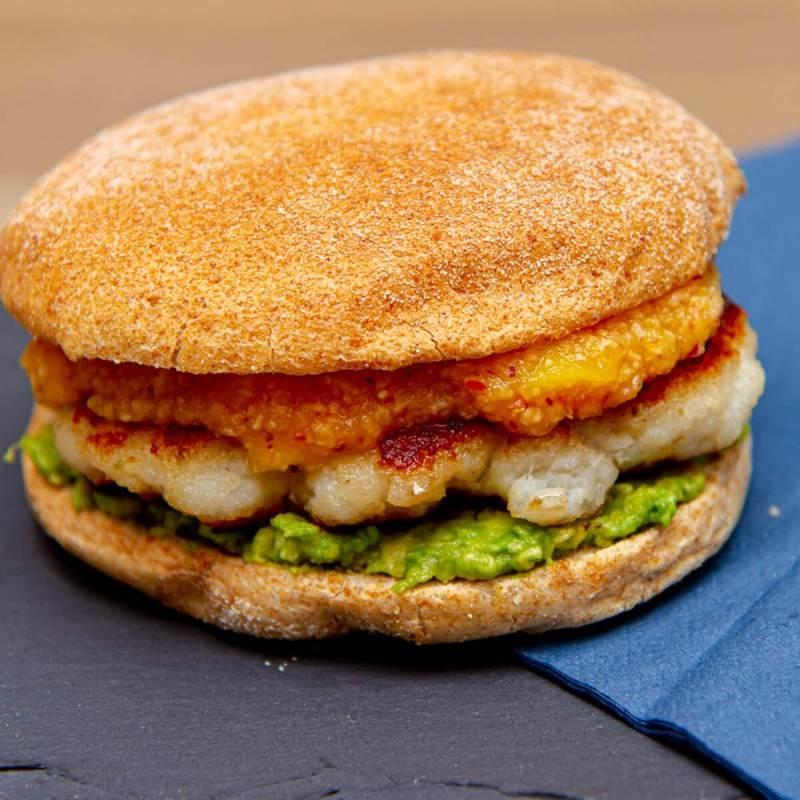 Fiskeburger med mangosalsa