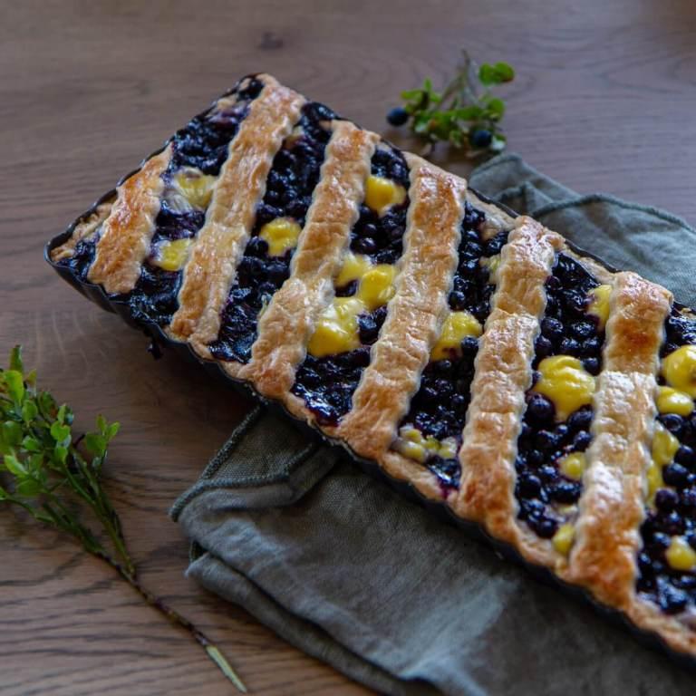 Pai med blåbær og vaniljekrem