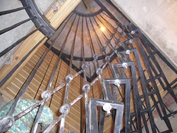 Кованые перила, ограждения лестниц, балконов, винтовые ...