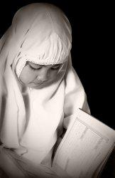 Kombinasi 3 kata Nama Anak Perempuan Islami Pilihan