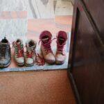 En realidad, no es tan sucio llevar los zapatos adentro