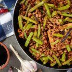 Dore la carne molida más rápido (y manténgala más húmeda) con bicarbonato de sodio