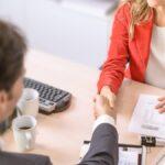 Cómo buscar un nuevo trabajo sin avisar a su jefe