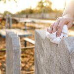Cómo limpiar correctamente una lápida