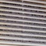 Cómo limpiar las cubiertas de ventilación descoloridas con peróxido de hidrógeno