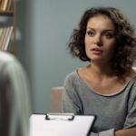 La diferencia entre un psicólogo y un psiquiatra (y por qué es importante)
